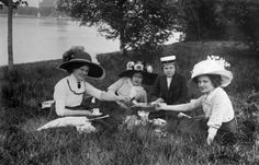 Young ladies at a picnic in Kirjurinluoto, Pori, Finland, in the beginning of 1910's