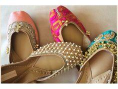Pinterest: @Pawan Kaur Punjabi Fashion, Indian Bridal Fashion, Bollywood Fashion, Indian Shoes, Indian Attire, Indian Wear, Indian Bridesmaids, Indian Dresses, Indian Outfits