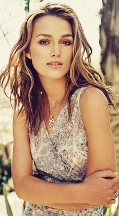 Keira Knightley ✾ looking kinda like Natalie portman here... only Gorgeouserrrr