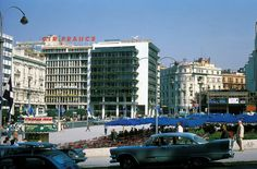 Syntagma, Athens, 1966 Greece Pictures, Old Pictures, Old Photos, Vintage Photos, Athens Hotel, Athens Greece, Greece Photography, Greek Culture, Acropolis
