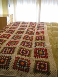 Pie de cama - manta de una plaza - tejido al 225€