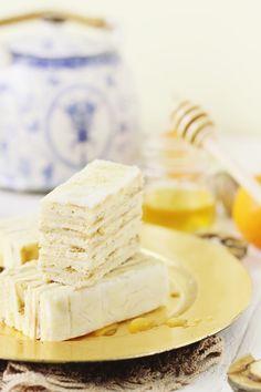 Prajitura cu smantana si foi de miere Deserts, Food, Essen, Postres, Meals, Dessert, Yemek, Eten, Plated Desserts