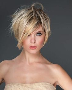 dada uces fur frauen com - The world's most private search engine Short Hairstyles For Thick Hair, Short Hair With Layers, Layered Hair, Short Hair Cuts, Curly Hair Styles, Edgy Short Haircuts, Great Hair, Hairstyles Haircuts, Hair Today