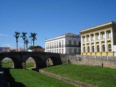 São João del Rey | Minas Gerais | Brazil (Ponte da Cadeia, Prefeitura e Secretaria da Fazenda) _ a ponte de pedra mais poética ;)