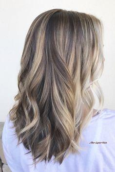 Blonde hair, dimensional blonde, dimensional brunette, balayage, foilayage, painted hair, face framing, highlights, blonde highlights