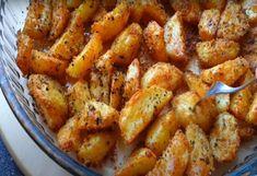 Πατάτες Φουρνου Greek Recipes, Diet Recipes, Cooking Recipes, Recipies, Greek Cooking, Chicken Parmesan Recipes, Potato Recipes, Food For Thought, Finger Foods
