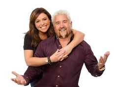 Guy Celebrity Cook-Off' coaches Rachael Ray and and Guy Fieri. Pic is in a photo gallery for Guy Fieri featuring 38 pictures. Chef Recipes, Food Network Recipes, Guy Feiri, Barefoot Contessa, Cook Off, Celebrity Kids, Best Chef, Favorite Tv Shows