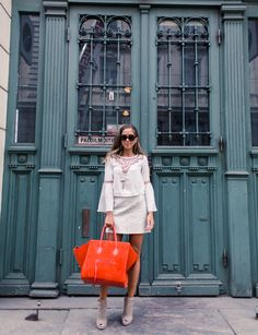 Kenza Zouiten is wearing a skirt from Zara, top from H&M, sunglasses from Karen Walker, bag from Céline bag and the shoes are from Topshop Skirt Fashion, Fashion Outfits, Net Fashion, Kenza Zouiten, Street Trends, Summer Chic, Spring Fashion Trends, Classy Women, Zara Tops