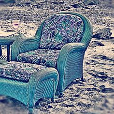 Want these chairs!!