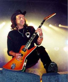 """Phil Campbell calls the Lag his """"alltime favorite guitar in the world. Eddie Clarke, Phil Campbell, Hard Rock, Metal Horns, Rock N Roll, Rockers, Bass, Musicians, Angels"""