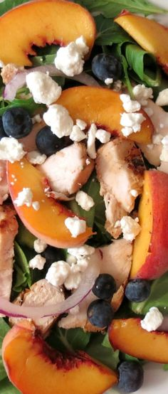 But without the onion. ALWAYS without the onion! Blueberry Peach Chicken Salad - A light refreshing summer salad made with grilled chicken, peaches, blueberries and drizzled with home made balsamic dressing. I Love Food, Good Food, Yummy Food, Tasty, Salada Light, Peach Chicken, Blueberry Chicken, Clean Eating, Healthy Eating
