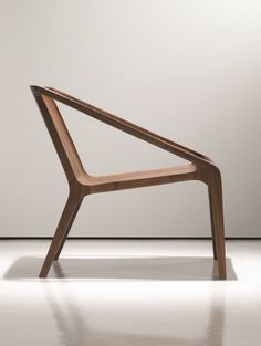 Wooden easy chair with armrests LOFT by NURUS | design Shelly Shelly @nurusdesign