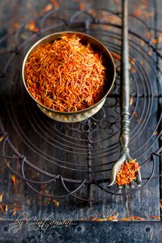 saffron ... not only deliciosa but has a relaxing effect .... for a good night's sleep or to relieve anxiety, sip on some saffron tea ... remember, less is more ...