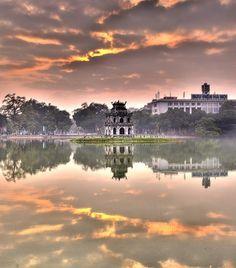 Hoankiem Lake, Hanoi, Vietnam