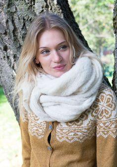 Kan strikkes i økologisk ull, eller baby alpakka. Shorts, Knitting, Baby, Fashion, Moda, Tricot, Fashion Styles, Stricken, Babys