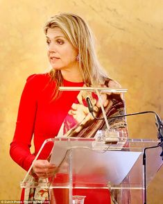 Maxima made her appearance at the palace which is one of the three official palaces of the Dutch royal family, located in The Hague in the province of South Holland