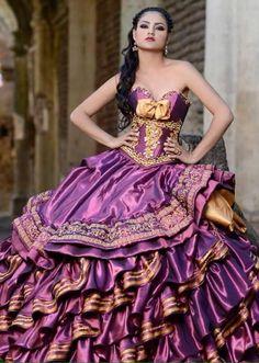 Vestidos para xv años tradicionales  http://ideasparamisquince.com/vestidos-xv-anos-tradicionales/  #Vestidosparaxvañostradicionales
