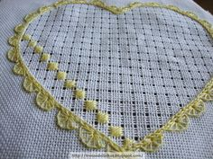 Is this drawn thread work? The instruction are in Spanish, but I… Hardanger Embroidery, Hand Embroidery Stitches, White Embroidery, Embroidery Techniques, Ribbon Embroidery, Cross Stitch Embroidery, Embroidery Patterns, Cross Stitch Patterns, Drawn Thread