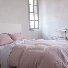 The Linen Works Classic Dove Cassis Rose Bed Linen from Occa-home