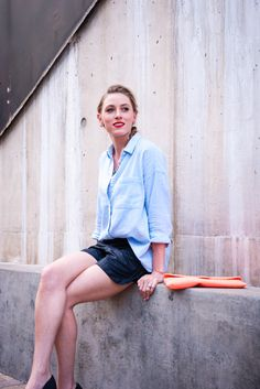 Sunday in downtown | Blue linen shirt and faux leather shorts