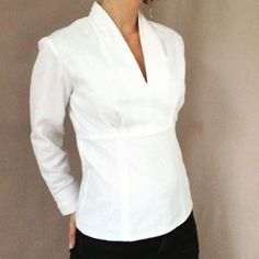22 💝 Fantastic White Blouse To Look Trendy – Trendy Fashion Ideas Sewing Clothes, Diy Clothes, Diy Vetement, Creation Couture, Shirt Refashion, Couture Sewing, Couture Tops, Clothing Patterns, Sewing Patterns
