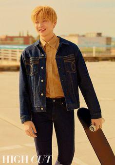 """kang daniel x calvin klein for high cut – vol. Daniel K, Korean Fashion Men, Kim Jaehwan, Music Film, Lifestyle News, 3 In One, High Cut, Looking Stunning, Handsome Boys"