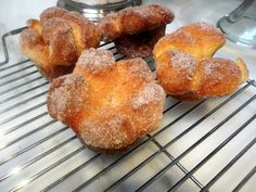 Joanne Chang's Sugar and Spice Brioche Buns Joanne Chang, Doughnut Muffins, Doughnuts, Brioche Recipe, Brioche Bun, Flour Bakery, New York Food, Sticky Buns, Bun Recipe