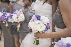 bouquets in purple + lavender | Harwell Photography #wedding
