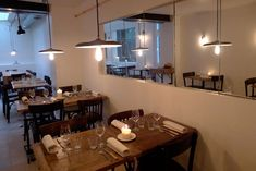 Restaurant Gare au Gorille , 68, rue des Dames Paris 75017. Craving : Original chef's menu, Neo-bistro. The extras : Antidepressant.