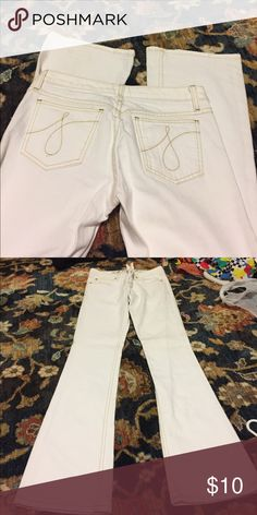 Juicy Couture white jeans - sz27 Slight flare-like new - never worn Juicy Couture Jeans