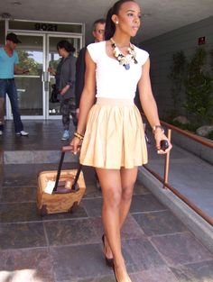 kelly rowland style | Kelly Rowland sceglie il trolley 1A Classe Alviero Martini - Style ...