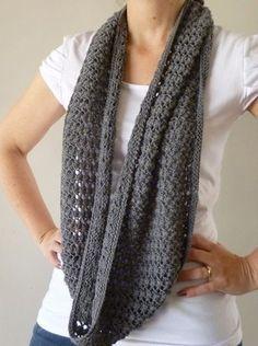 lace infinity scarf pattern - free . Bufanda infinita crochet patrón.