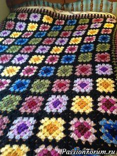 Crochet Granny Square Afghan, Granny Square Crochet Pattern, Crochet Squares, Crochet Blanket Patterns, Knitting Patterns, Granny Squares, Crochet Bedspread, Crochet Quilt, Crochet Motif