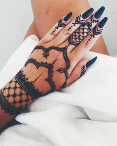 Our highly skilled henna artists make incredible temporary henna tattoos. If you havent got one already you should definitely put it on your to-do list! Mehndi Tattoo, Henna Tattoos, Henna Ink, Et Tattoo, Henna Body Art, Henna Tattoo Designs, Mehndi Art, Henna Mehndi, Piercing Tattoo