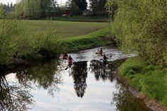 Teuronjoki on hyvä päiväretkikohde jokiretkeilylle, rauhallisesti virtaava joki soveltuu hyvin myös aloittelijoille. Teuronjoki virtaa välillä Hämeenkoski-Kärkölä.