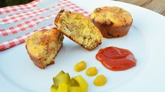 This recipe combines the flavors of a cheeseburger in a fun mini-pie your kids will love! Add ketchup and your favorite cheeseburger fixings and you're ready to go. Cheeseburger Pie, Kids Mental Health, Mini Pies, Cooking With Kids, Kid Friendly Meals, Food Allergies, Nutrition Tips, Healthy Kids, Kids Meals
