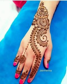 heart touching mehndi designs are a very beautiful canvas for showcasing Mehndi