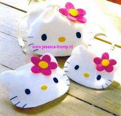 DIY Hello Kitty Felt Bag. Tutorial plus Templates.