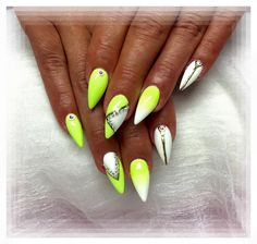 Stiletto Nails https://www.facebook.com/Skvele-nechty-jarmila-169567496401423/photos/