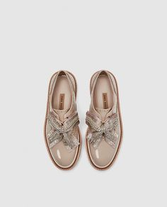 Image 4 of TRACK SOLE BROGUES WITH BOW from Zara