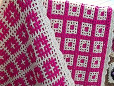 front and back by Maze Walker, via Flickr. Pattern from a book called Interlocking Crochet (Tanis Galik)