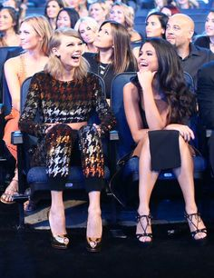 Selena Gomez with Taylor Swift at the 2015 MTV Video Music Awards [Arriving] - August 30