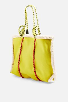 Blanket Rope Tote Bag in 2020 Tote Bag, Backpack Bags, Tote Handbags, Leather Handbags, Sacs Design, New Bag, Mode Inspiration, My Bags, Bag Making