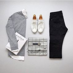 Outfit by: @lifestyle_of_james ______________ @thenortherngent for more outfits. #SHARPGRIDS to be featured. ______________ Shirt: Ted Baker Jumper: Ted Baker Shoes: Jonah Kaner Trousers: Ted Baker ______________ #outfitgrids #gqstyle #styleformen #ootd #lookbook #flatlay #flatlays #outfitgrid #falloutfits #mensstyle #outfitinspo #ootdmen #ootdfashion #tedbaker #commonprojects