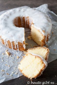 Rührkuchen mit Rum. Der leckere Kuchen ist glutenfrei und eignet sich perfekt für eine Party oder einem Geburtstag. Dieser ist schnell und einfach zubereitet.   Rezept auf www.heute-gibt.es  #rezept #dessert #kuchen #glutenfrei #party #alkohol #rum #feier #geburtstag #lecker #glutenfreierkuchen
