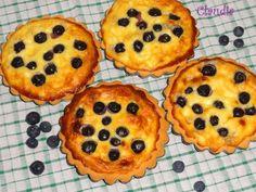 Mini tartas de queso y arándanos. Ver la receta http://www.mis-recetas.org/recetas/show/41328-mini-tartas-de-queso-y-arandanos
