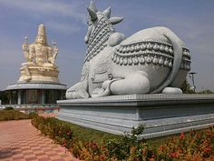When I was going to Kanchipuram from Chennai (on the Chennai-Bangalore highway), I saw a large Shiva/Nandi statue on my left hand side. This statue was located Fire Lion, Indian Temple Architecture, Shiva Lord Wallpapers, Lord Shiva Family, Mandala Art Lesson, Shiva Art, Lord Shiva Painting, Beautiful Nature Wallpaper, Chennai