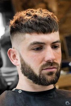 Best 30 Hairstyles for Men with Beards 2019 - - Levin- Beste 30 Frisuren für Männer mit Bärten 2019 – In this article you will find many cool pictures and ideas for it. Man Bun Hairstyles, Modern Hairstyles, Black Women Hairstyles, Female Hairstyles, Fringe Hairstyles, Curly Hair Styles, Crop Haircut, Men Haircut Short, Beard Styles