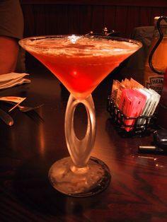 Cosmopolitan Cocktail Recipe INGREDIENTS 1 oz lemon vodka (like Absolut oz triple sec (orange liqueur like oz Rose's® lime juice , or be fancy and use oz lime juice + oz simple oz cranberry juice Alcoholic Drinks Made With Cranberry Juice, Best Vodka Cocktails, Cocktail Vodka, Cranberry Juice Cocktail, Vodka Martini, Famous Cocktails, Martinis, Classic Cocktails, Cocktail Mix