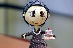Y Carmencita con una tarta..